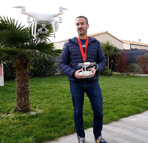 Drone pour vidéo immobilière maison